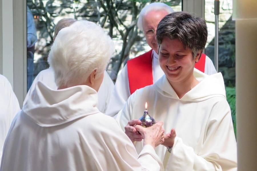 Former dentist finds new joy as Carmelite nun