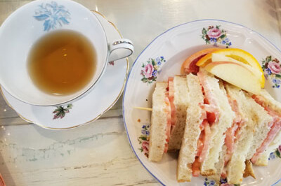 Emma's Tea Spot: Worth a Stop