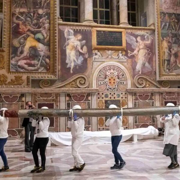 Raphael's tapestries briefly return to Sistine Chapel