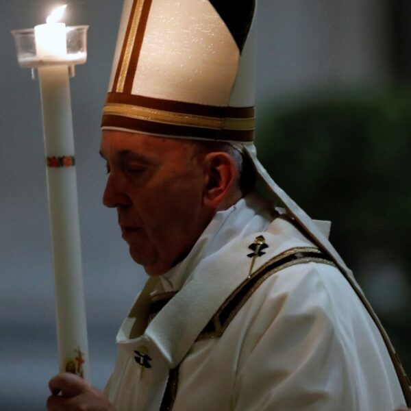 Even in time of pandemic, Easter proclaims the victory of life, pope says