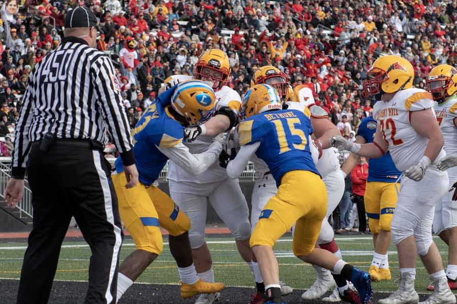 Turkey Bowl football rivalry will continue Thanksgiving Day for Calvert Hall, Loyola Blakefield