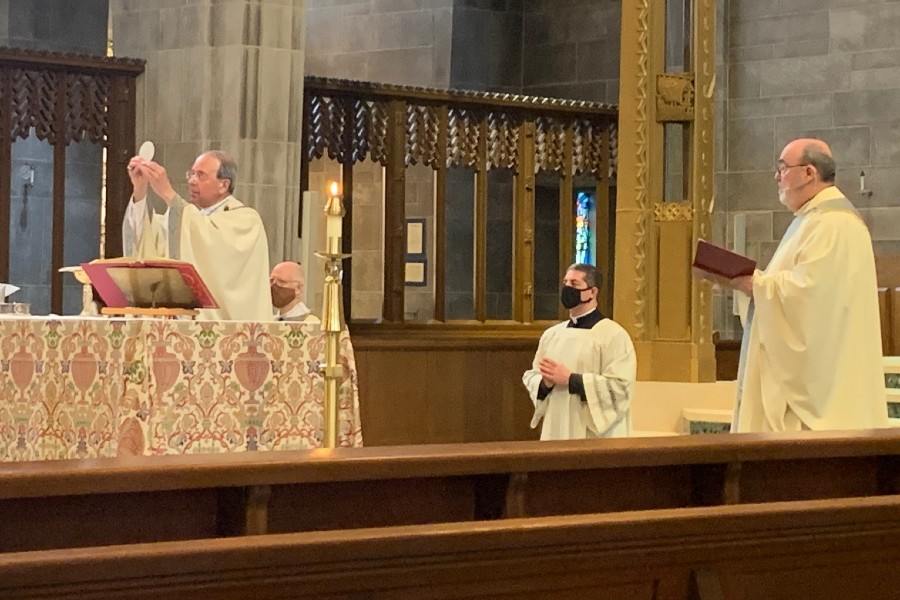 Archbishop Lori remembers COVID-19 dead on solemnity of Christ the King