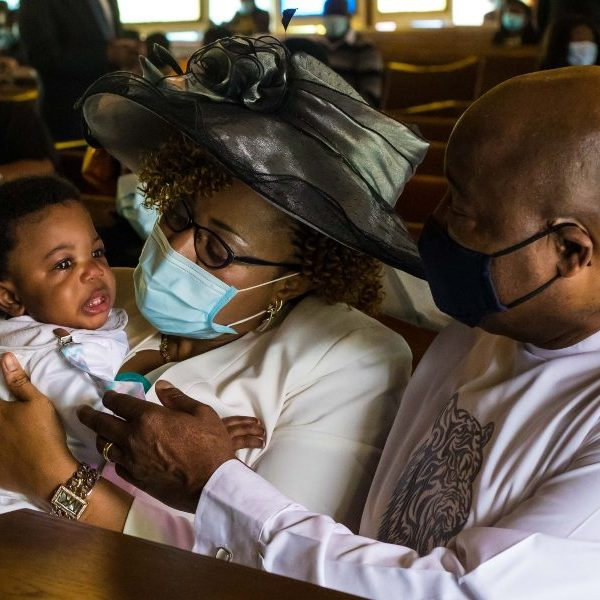 Quintuplets' parents rely on Catholic faith in daily challenges