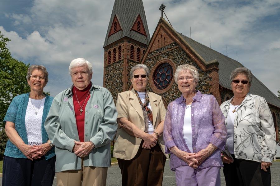 With convent closing, Franciscan Sisters bid goodbye to Bradshaw parish