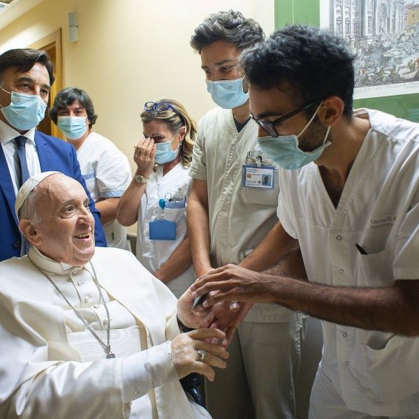 Pope to remain in hospital 'a few more days,' Vatican says