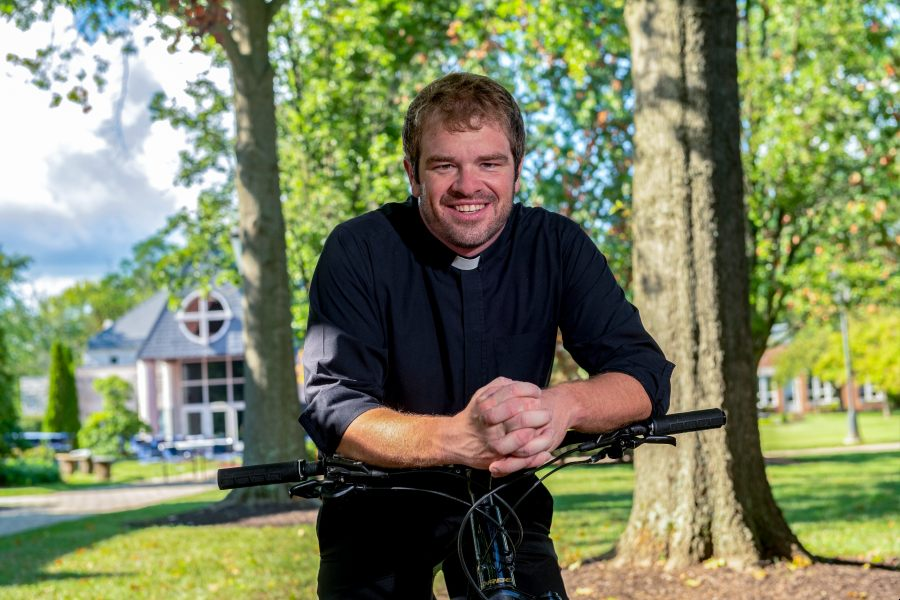 Ups and downs: Glyndon priest puts pedal to Labor Day weekend fundraiser