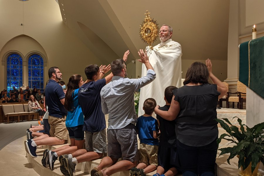 Families encounter Eucharist in powerful way through Family Prayer Project