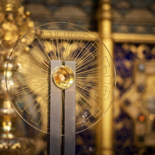 Disruptions in church/Disposition of altar relics
