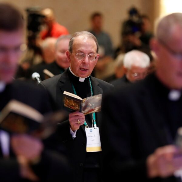 Debate, vote on proposed eucharistic document will top U.S. bishops' agenda